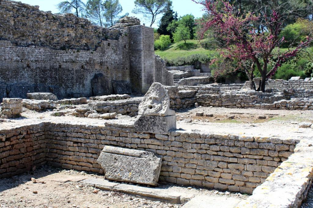 Thermes de la cité qui datent de l'époque de César. Cette statue décorait l'arrivée de l'eau.